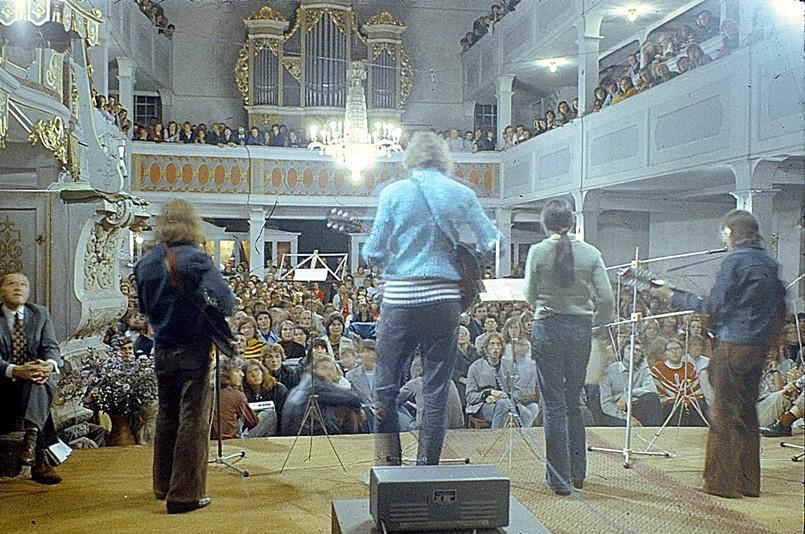 Spotkanie w kościele w Großhartmannsdorf, sierpień 1973r. Po lewej przy ambonie siedzi Pastor Richter.