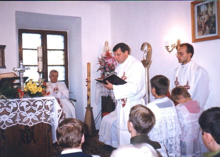 kaplica w starym budynku w Zboiskach, wizyta abpa Józefa Michalika