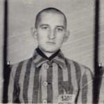 Fotografie z Auschwitz. Franciszek Blachnicki otrzymuje nr 1201 fot. Archiwum Główne Ruchu Światło-Życie