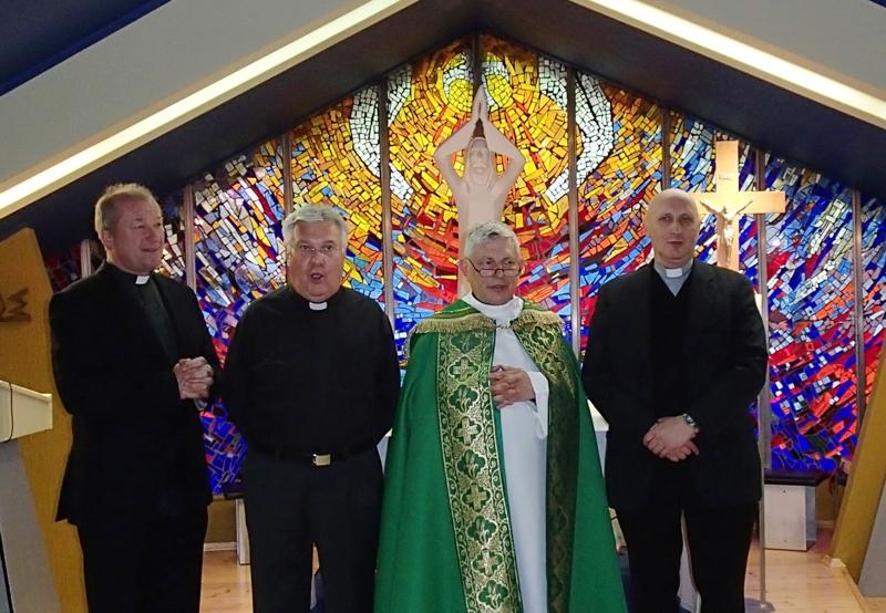 fot. Aleksandra Rogowska, od lewej: ks. Kazimierz Ćwierz, ks. Marek Dydo, ks. Ireneusz Kopacz, ks. Jacek Herma