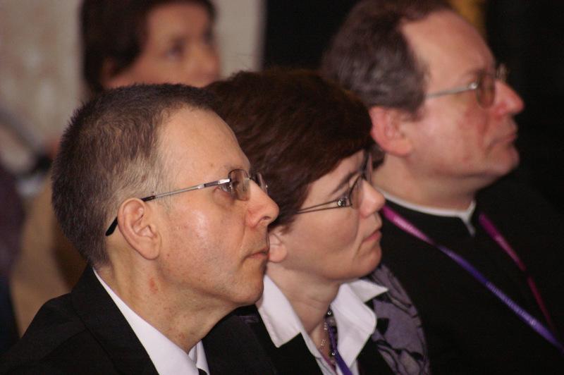 Katarzyna i Paweł Maciejewscy, para krajowa DK, z prawej ks. Tomasz Opaliński, moderator krajowy DK, fot. Michał Szepietowski