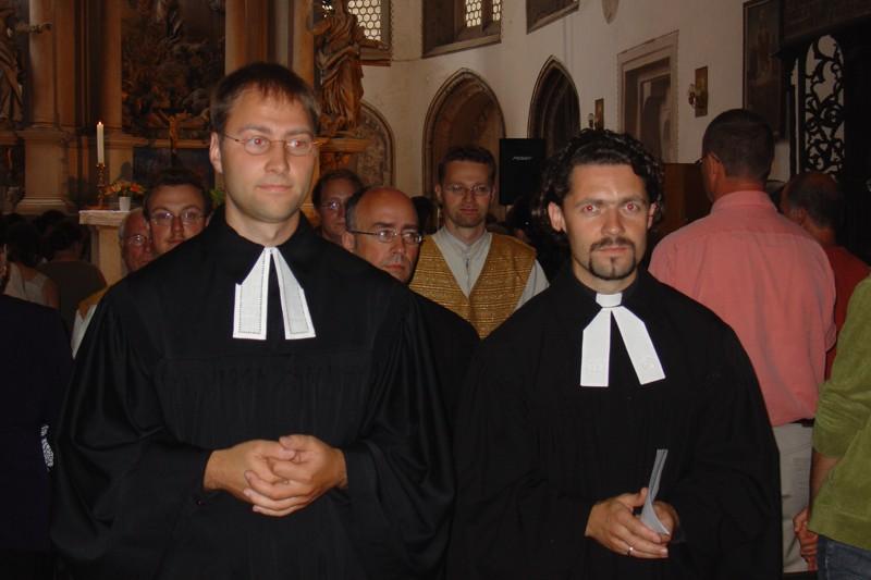 Z prawej strony pastor Falk Klemm
